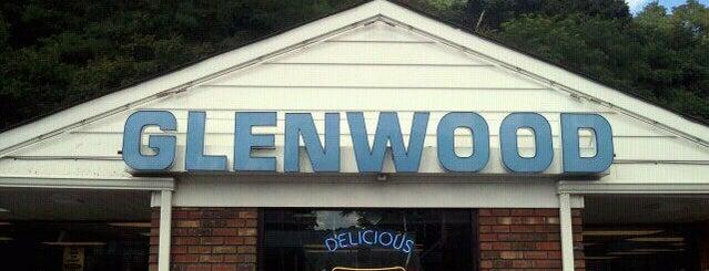 Glenwood Drive-In is one of Michael'in Kaydettiği Mekanlar.