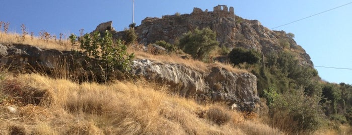 Beçin Kalesi is one of Ayse : понравившиеся места.