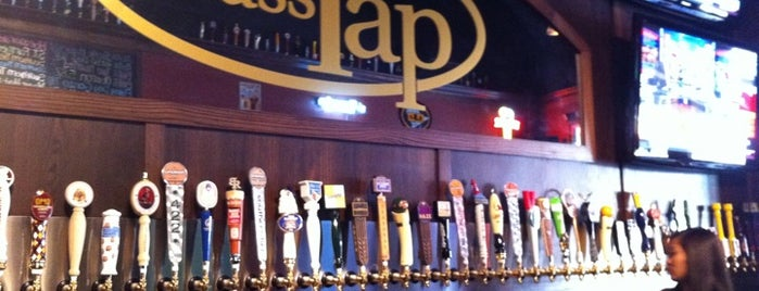 The Brass Tap is one of Lugares favoritos de Mark.
