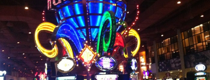 Harrah's Philadelphia Casino & Racetrack is one of Gamblin' Joints.