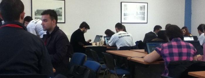 Universiteti Europian i Tiranes is one of Quza-Fly Prishtina.