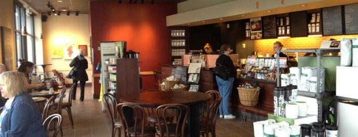 Starbucks is one of Orte, die Maggie gefallen.