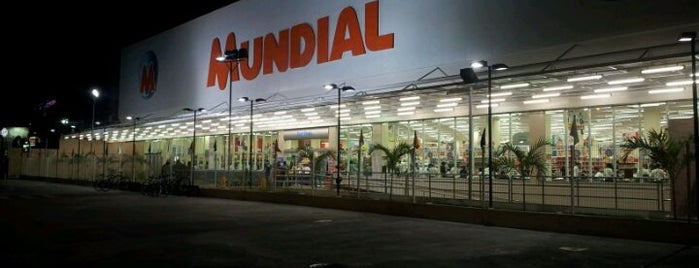 Supermercado Mundial is one of Posti che sono piaciuti a Carolina.