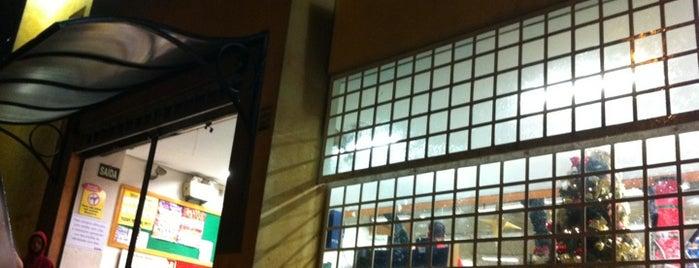 Delta Supermercado is one of Locais curtidos por Karla.