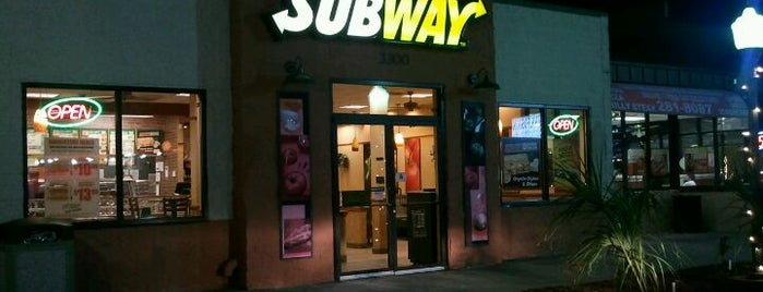 Subway is one of Places With Mostly Bad Reviews.
