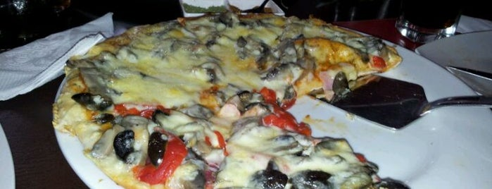 El Altillo is one of Pizzas en Conce.