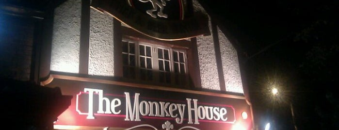 The Monkey House is one of Daniel'in Kaydettiği Mekanlar.