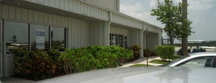 North Palm Beach County General Aviation Airport (F45) is one of Hopster's Airports 2.