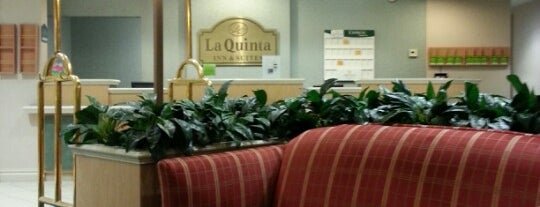 La Quinta Inn & Suites Dallas North Central is one of Locais curtidos por Devin.
