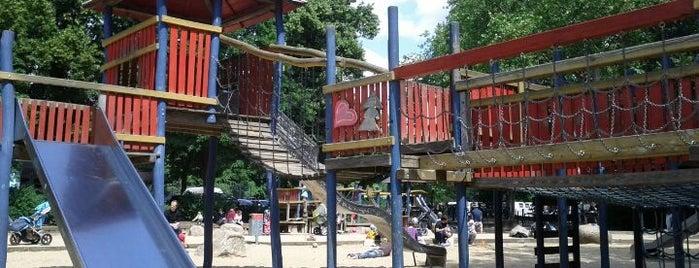 Spielplatz Weichselplatz is one of Playgrounds in Berlin.