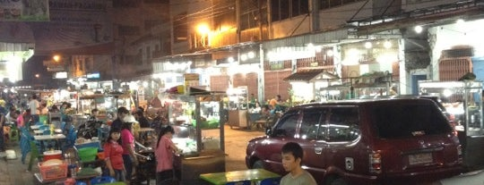 Semarang Food Center (Medan Chinatown) is one of Indonesia.