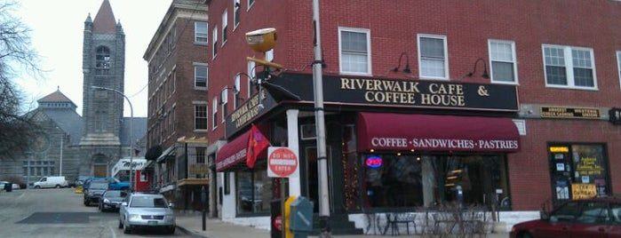 Riverwalk Roasters Café and Coffee Shop is one of Posti salvati di Lauren.