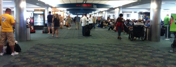 JetBlue Airways Terminal is one of สถานที่ที่บันทึกไว้ของ John.