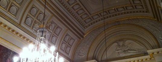 Academiënpaleis / Palais des Académies is one of Locais curtidos por Nicolas.
