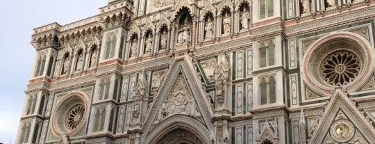 Piazza del Duomo is one of 101 posti da vedere a Firenze prima di morire.