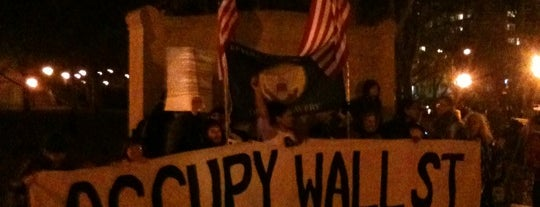#OCCUPYWALLSTREET is one of Posti salvati di Rob.