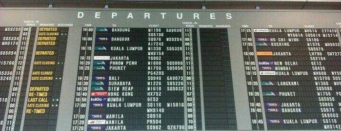 Aéroport de Singapour Changi (SIN) is one of Singapore.