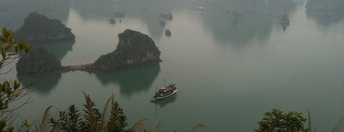 Vịnh Hạ Long (Ha Long Bay) is one of The Ultimate Bucket List.