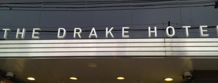 The Drake Hotel is one of Ashleigh 님이 좋아한 장소.