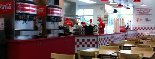 Five Guys is one of Cyril 님이 좋아한 장소.