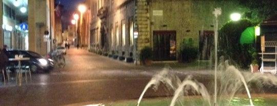Piazzale Matteotti is one of Lieux qui ont plu à Jonathon.