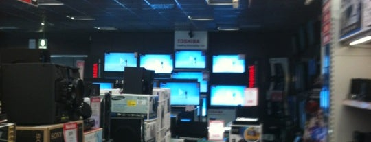 MediaWorld is one of Lugares favoritos de Mik.
