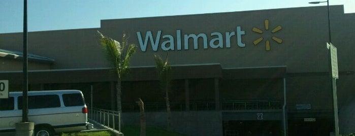 Walmart is one of Locais curtidos por Pierre.