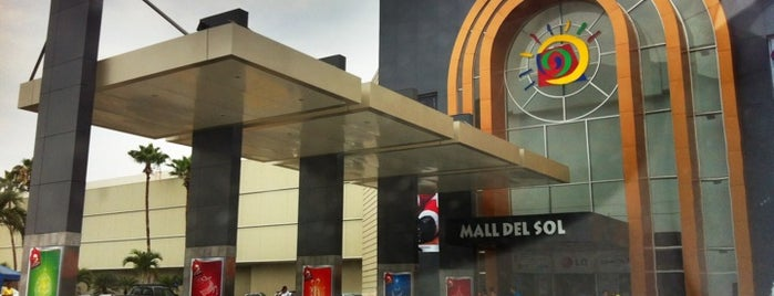 Mall del Sol is one of Orte, die Paola gefallen.