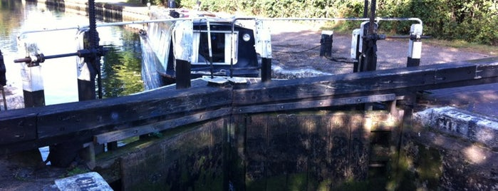 Hanwell Lock 91 is one of Canal Places UK.