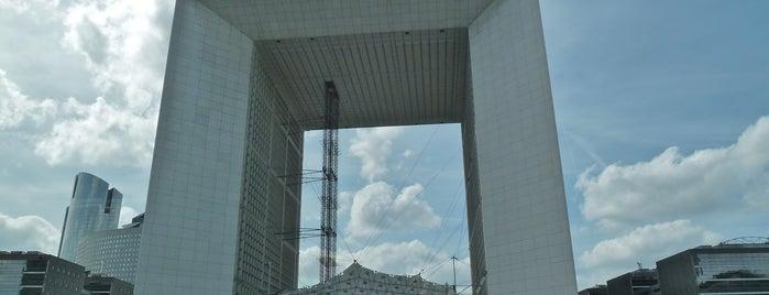 Grande Arche de la Défense is one of Bienvenue en France !.