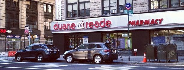 Duane Reade is one of Orte, die Valerie gefallen.