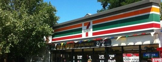 7-Eleven is one of สถานที่ที่ Karissa ถูกใจ.