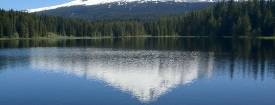 Trillium Lake is one of Portland/Oregon.