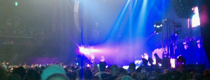 Bill Graham Civic Auditorium is one of #tivzlist Live Music Venues.