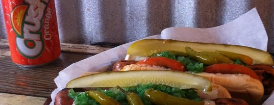 Chicago's Dog House is one of Hot Dogs.