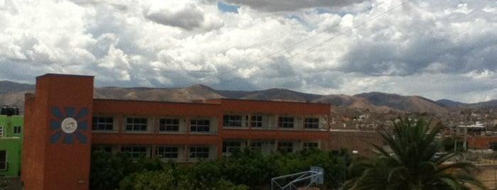 Universidad Santa Fe is one of Lieux qui ont plu à roymnieto.