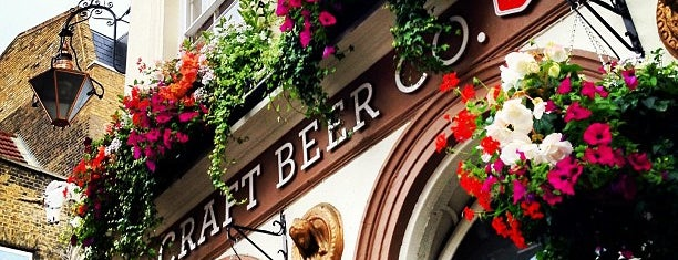 The Craft Beer Co. is one of London freelancers lunchtime option.
