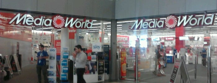Media World is one of Tempat yang Disukai Viola.