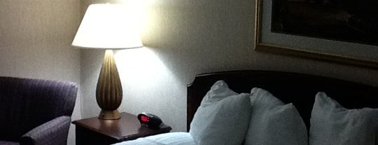 Red Roof Inn Knoxville Central - Papermill Road is one of Locais curtidos por Anahi.