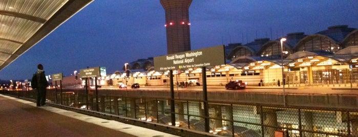 로널드 레이건 워싱턴 내셔널 공항 (DCA) is one of International Airport Lists (2).