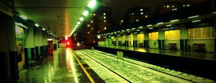 Davutpaşa - Y.T.Ü. Metro İstasyonu is one of Lieux qui ont plu à Colorful.