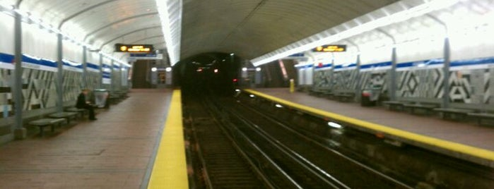 MBTA Government Center Station is one of Places With Mostly Bad Reviews.