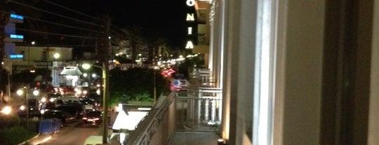 Maniatis Hotel is one of Lugares favoritos de Chelsi.