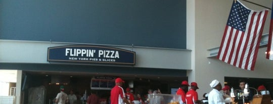 Flippin' Pizza is one of Meus lugares.