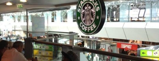 Starbucks is one of Lieux qui ont plu à 「 SAL 」.
