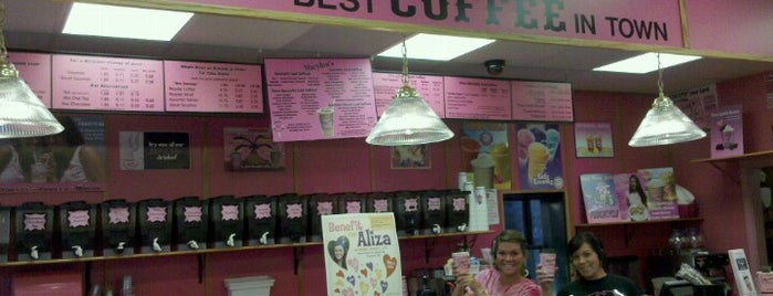 Marylou's Coffee is one of Lugares favoritos de Ross.