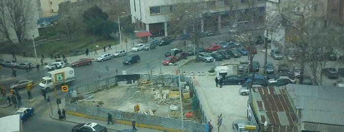 Πλατεία Δημοκρατίας - Βαρδάρη is one of Thessaloniki #4sqCities.