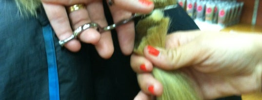 Hair Symmetry is one of Lieux qui ont plu à Susane.