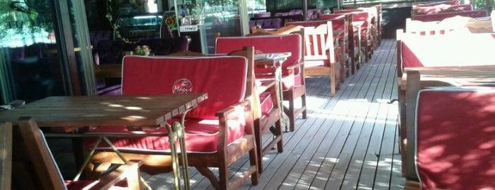 Rose Cafe is one of Locais curtidos por ⛵️surfer.