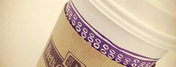 Peet's Coffee & Tea is one of Carlos'un Beğendiği Mekanlar.